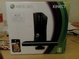Urgently /Xbox 360 with 2 controllers and the Kinect eye with 20 games