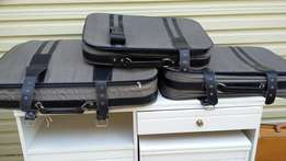 Set of 3 matching suitcases good condition