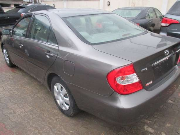 Very Clean Toyota Camry 03, Tokunbo Lagos Mainland - image 7