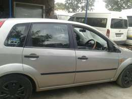 How am selling my Ford fiesta and the price is negotiable 49000
