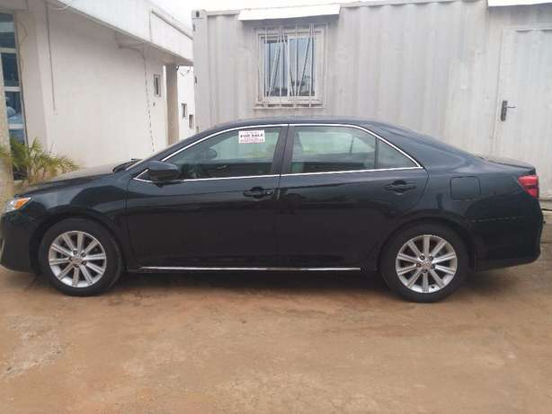 super clean toyota camry 2012 xle full option Durumi - image 1