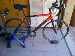 Road bike with brand new trainer