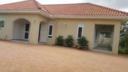 A 4bedroomed House Up For Rent In Kiwatule at 1000dollars
