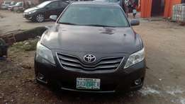 strong 2010 toyota camry for grabs
