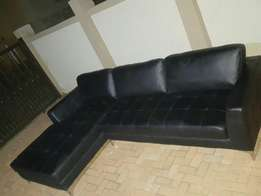 A black beautiful L Shape leather couch for sale CASH ONLY NO EFTS