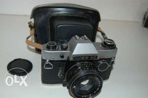 Kiev-20-Vintage-Soviet-SLR-amp-MC-Helios-81N-Lens and case.