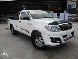 Toyota Hilux single cab at 2.15m