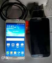 London Galaxy S4 with Charger