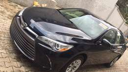 A clean Toyota Camry 2016 for sale