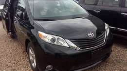 Direct Tokunbo Toyota Sienna (2011)