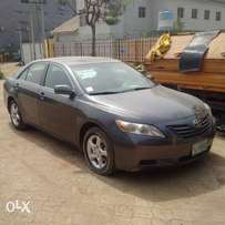 An ultral clean naija used 2007 Toyota camry for saleb
