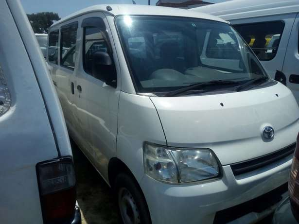 Toyota Town ace New shape pearl white Mombasa Island - image 1