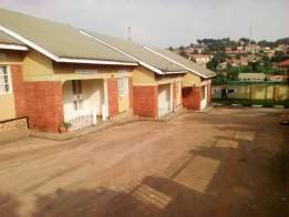 2bedrooms house house for rent in mutungo