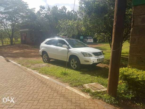Clean well maintained lexus on quick sale Nairobi CBD - image 6
