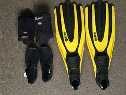 Scuba dive gear- fins, booties and socks for sale