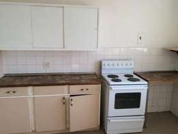 Braamfontein 1bed, bath, kitchen, lounge, kitchen, lounge, R3400