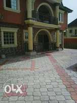 Lovely 3Bedrm ensuite ground floor behind CBN Estate 2 To Let