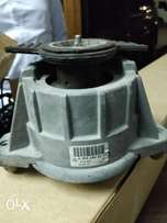 C Class, E Class SL Mercedes Engine Mounting. OEM