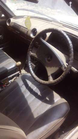 Mercedes Benz 240D, diesel Thindigwa - image 2