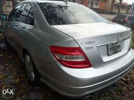 Pristine Tokunbo 2008 Mercedes Benz C-300 4matic (Lagos cleared)