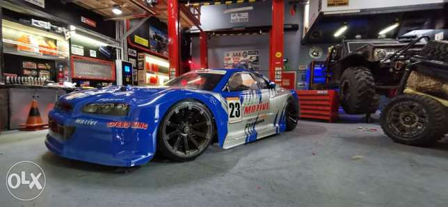 Rc car 1/10 full upgrades nissan gtr ( blue & red) new in box