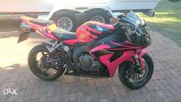 Honda cbr 1000 rr fireblade in mint condition