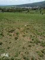 Longonot town 3 acres for sale behind the shops at 4.5 M