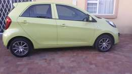 Green Kia Picanto 2013 for sale(woman owner)