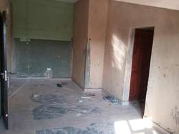 Spacious and services mini flat to let at onike yaba
