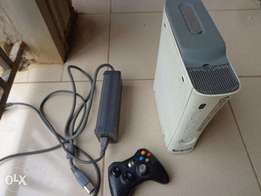 Used Xbox 360 game with 40 GB hard disk