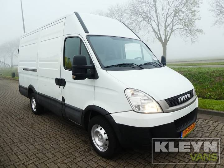 Iveco DAILY 35S13 l2h2 126pk - 2011