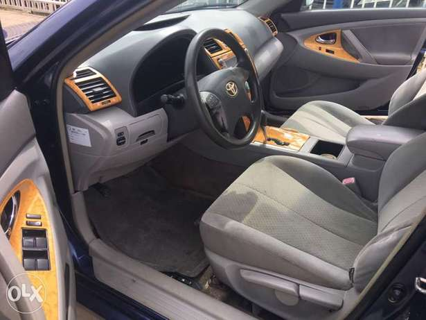 Super clean 2008 naija used Toyota Camry LE for 1.9m Lagos Mainland - image 7