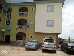 A beautyfully 2bedroom to let at area1, Abuja