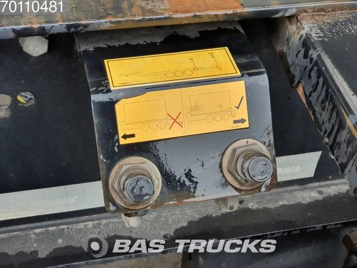Krone 2x20-1x30-1x40ft. 3 axles Ausziehbar Extending Chassis - 2012 - image 10