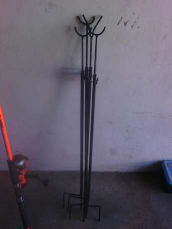 Fishing rod & 4 adjustable pegs Klerksdorp - image 1