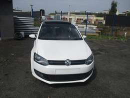 Polo 6 1.4 sunroof 2014 Model,5 Doors factory A/C And C/D Player