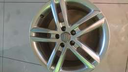 Audi mags 18 inch x4