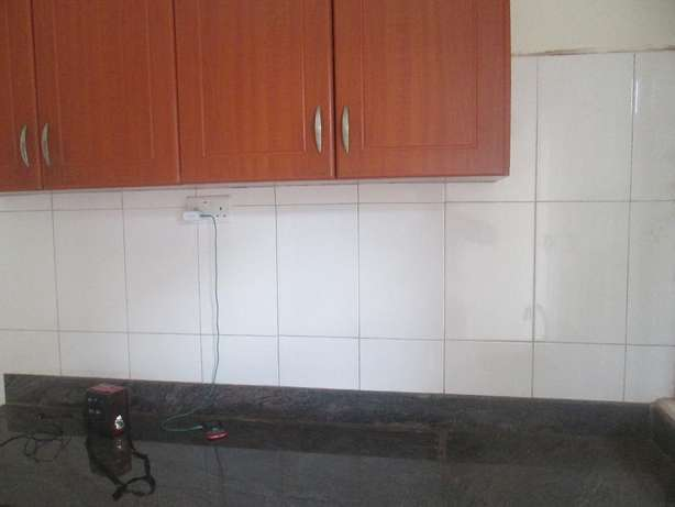 A well planed 2bedroomed apartment in kisaasi at 500k Kampala - image 2