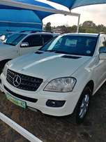Mercedes ML 350 4 Matic 2008 model excellent condition