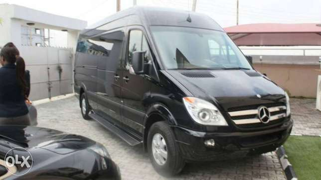 Rent all kind of cars, SUV, limo, and many more Lagos Island East - image 7