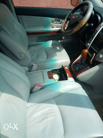Very clean less than a year registered lexus rx330 Asaba - image 6