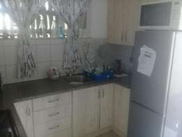 2 bedroom flat to rent (aviary hill)