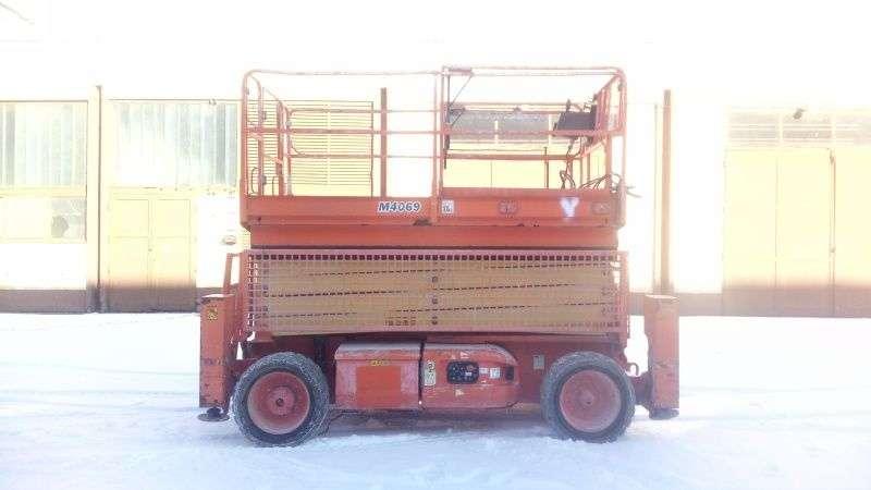 JLG M4069 - 14,19m - 4x4 - Electric & Diesel - 2007