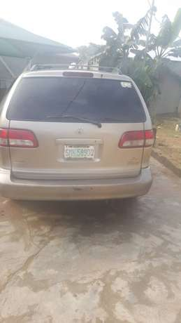 Extremely Neat Toyota sienna Agege - image 8