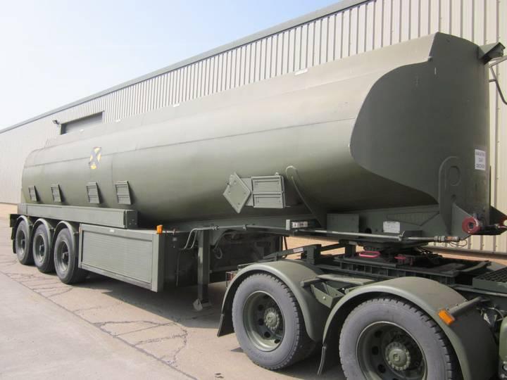 32,000 litre tanker