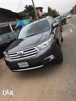 2013 Toyota highlander view months used