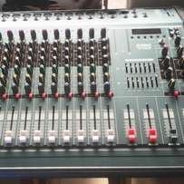 Powered mixer 8 channel 33k