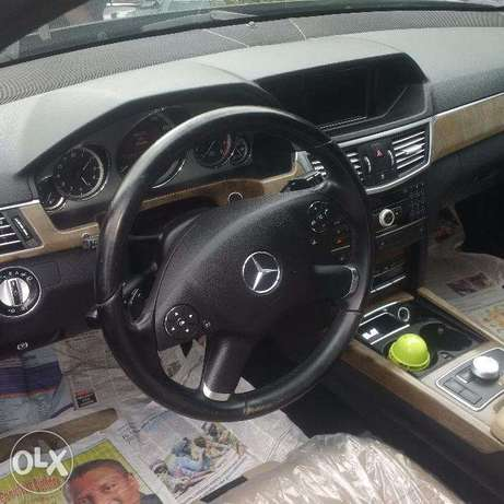 Mercedes Benz E350. 4MATIC 2011. Direct tokunbo Apapa - image 4