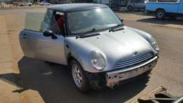 Mini Cooper stripping 4 spares