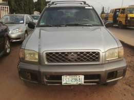 First body Nissan pathfinder